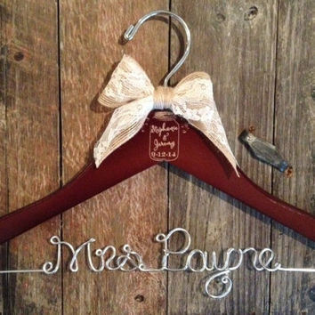 Mason Jar Wedding Hanger / Rustic Wedding Hanger / Personalized Bride Hanger / Vintage Rustic Wedding / Mason Jar Wedding / Bridal Hanger