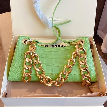 Apede mod one shoulder bag  frog bag women rectangle type bag Green