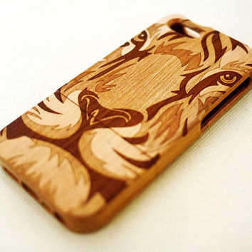 Cherry Wood Lion Face iPhone 5 5s Case - Custom Wooden iPhone 5 5s Case - Natural iPhone 5 5s Case Wood - for Christmas