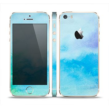 The Subtle Green & Blue Watercolor V2 Skin Set for the Apple iPhone 5s