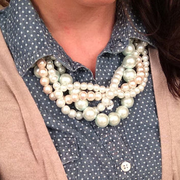 White and Pink Pearl Necklace, Classic Pearl Necklace, Pearl Necklace, Pearl Statement Necklace, Statement Necklace