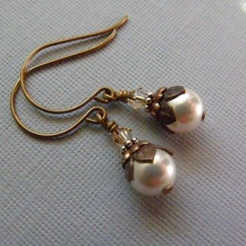 Pearl Earrings With Vintage Style, Dangling Pearl Earrings
