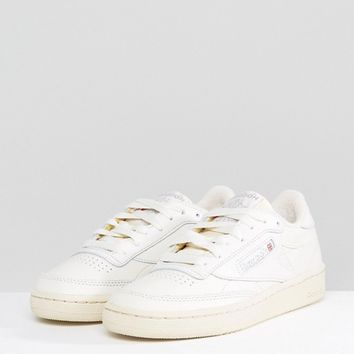 Reebok Classic Club C Vintage Trainers In Chalk at asos.com