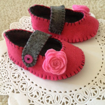 Handmade Felt Baby Shoes / Valentine Rose in Mary Jane