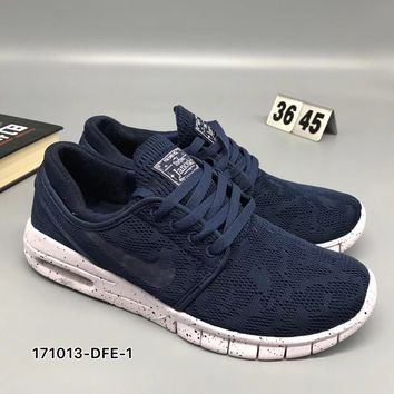 timeless design c0fe8 4d032 Trendsetter NIKE Roshe Run Women Men from Trendsetter