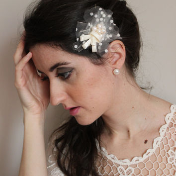 headdress Jara with tulle, satin and pearls