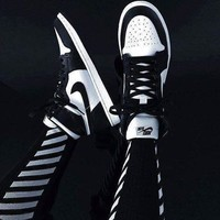 nike air jordan retro 1 high tops contrast sports shoes black white g csxy  number 1