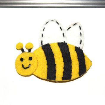 Bumble bee felt hair clip Spring feltie toddler hair accessory girls hair clip Bug hair clip in Yellow and Black