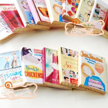 Hot 1/12 6pcs Colorful Wooden Miniature Dollhouse Books Classic Pretend Play Furniture Toys Creative Cute Gifts Presents