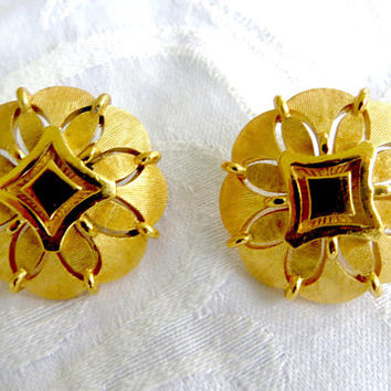 Vintage Crown Trifari Earrings, Clip Earrings, Gold tone Button Earrings, Trifari Jewelry