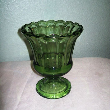 12-0405 Vintage 1950s Green Depression Vase / Carnival Glass Tulip Vase / Green Glass / Mid Century / Glassware / Green Vase