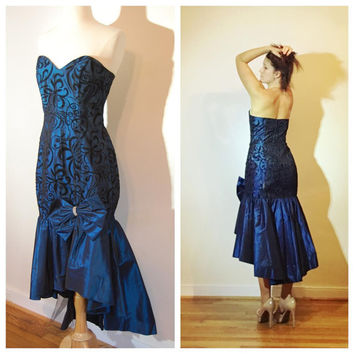 80s Prom Dress Strapless Mermaid Cut Sweetheart Bust Blue and Black Brocade with Big Bow Evening Gown size 9/10