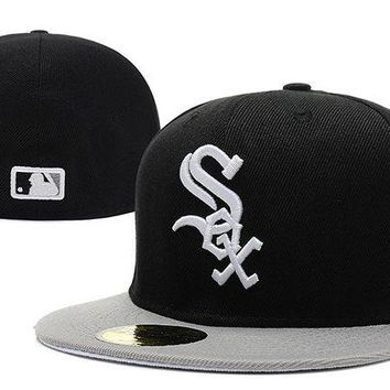 DCCKBE6 Chicago White Sox New Era MLB Authentic Collection 59FIFTY Hats Black-White
