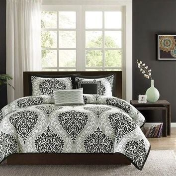 Twin / Twin XL 4 Piece Black White Damask Print Comforter Set