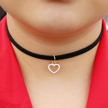 N2014 Velvet Chokers Necklaces For Women Heart LOVE Pendant Necklace Collares Fashion Jewelry Bijoux Colar 2017 One Direction
