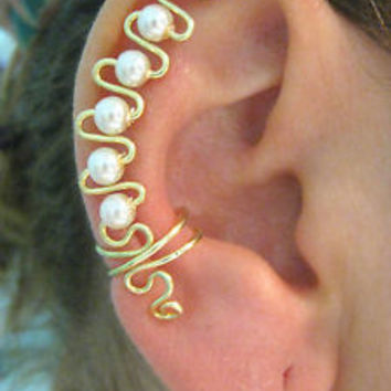 Non-Pierced UP EAR CUFF / WRAP Gold filled  w/ Glas Pearl - Single