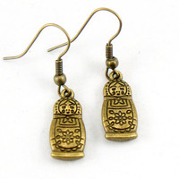 Matryoshka Doll Russian Doll Earrings - Antiqued Brass Vintage Style Matryoshka Doll Dangle Earrings - Bridesmaids Gifts Ideas - CP040