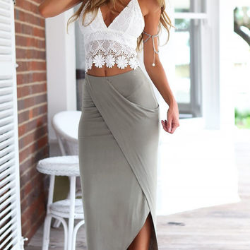 Two Pieces Lace Tank Top and Chiffon Skirt Dress Womens Suit +Necklace