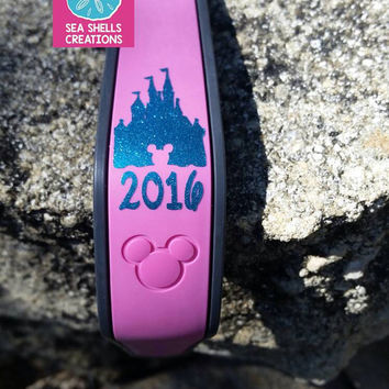 Glitter Castle Decal With Year,  Gliter Magic Band Decal, Glitter Disney Decal, Disney Castle Sticker