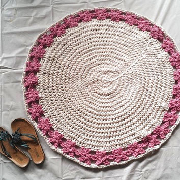 "Off White with Pink Flowers Crochet Round Cotton Rug 33"" READY TO SHIP"