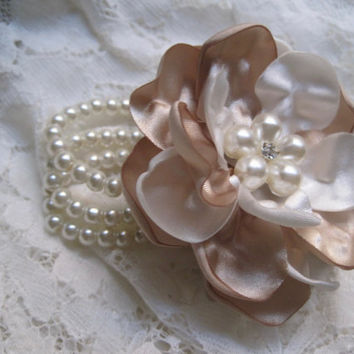 Flower Girl Small Wrist Pearl Wrist Corsage Designed in Your Color Choice with Pearl and Rhinestone Accent Wedding Accessories