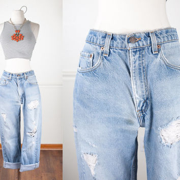 Vintage Levi's Jeans / Vintage 80s Jeans / Destroyed Jeans / High Waisted Jeans / Relaxed Fit Boyfriend Jeans / Light Blue Denim Jeans