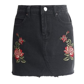 Casual floral embroidery denim skirt