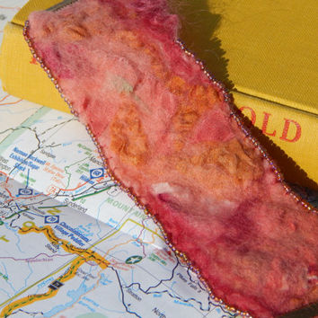 Bracelet: coral pink and gold nuno felted silk and merino beaded cuff wrist warmer with adjustable brass clasp. Boho style, casual