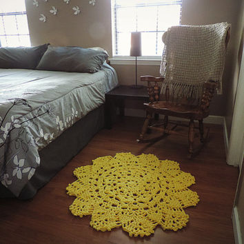 Small Yellow Doily Round Area Throw Rug, Crochet Rustic Rug, Shabby Home Decor, French Country chic, Nursery Rug, floral floor mat, carpet