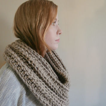 Pre-Fall Sale Crochet Infinity Scarf, Taupe Infinity Scarf, Pale brown Chunky infinity scarf, Beige infinity scarf, Womens Scarf