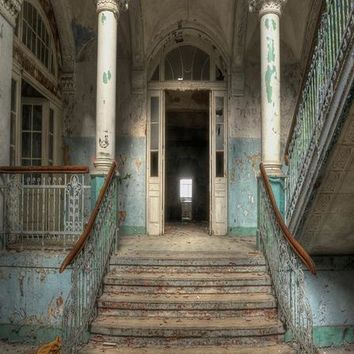 ABANDONED HOME ARCHITECTURE DOOR STAIRS PRINTED BACKDROP 5x6 - LCPC6852 - LAST CALL