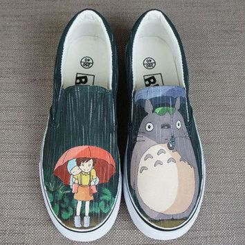 CREYONS Totoro shoes. Totoro in the rain. Hand painted shoes. Anime Totoro shoes. Anime totoro