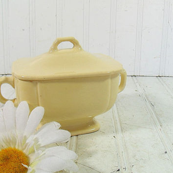 Early Homer Laughlin Soft Butter Yellow Ceramic Sugar Bowl - Vintage Pottery Lemon Yellow Vase with Lid - Shabby Chic Cottage Decor
