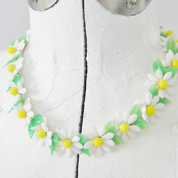 Vintage Miriam Haskell Style Daisy Flower Milk Glass Choker 40s