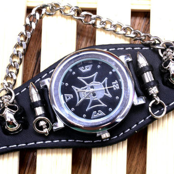 Fashion Brown Leather Band Punk Rock Gothic Skull Skeleton Cross Quartz Wrist Watch Men's Gift Pendant