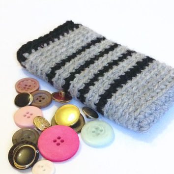 Galaxy S5 Sleeve, Grey and Black Hand Crocheted Phone Sleeve, Sony Xperia Z1 or Nexus 5, Chunky Cell Phone Sleeve, Large Yarn Sock