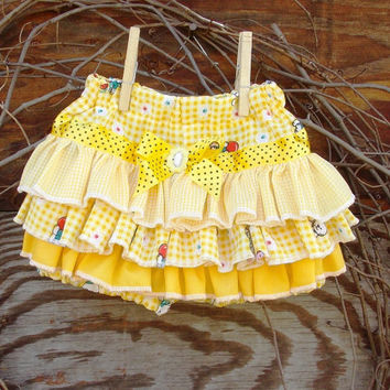 Ruffled Baby Bloomers, diaper cover,Spring, Easter, Yellow, Photo Prop size 12 months