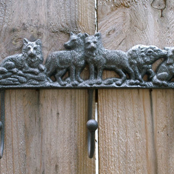 Metal Wolves Wall Hanging Cast Iron Triple Hook Key Rack Towel Holder