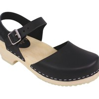 Lotta From Stockholm Womens Low Heel Closed Toe Clogs in Black Leather