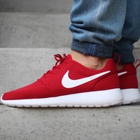 NIKE ROSHE ONE (GYM RED / WHITE - BLACK)