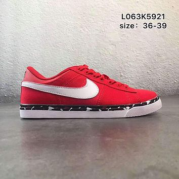 NIKE COURT ROYALE canvas low to help wild school board shoes F-PSXY Red + white hook
