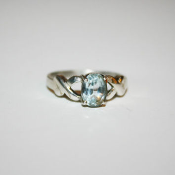 Beautiful Size 7 Vintage Sterling Silver and Aquamarine Stone Ring Free US Shipping