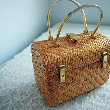 Koret Picnic Basket Styled Handbag by mandylopandy on Etsy