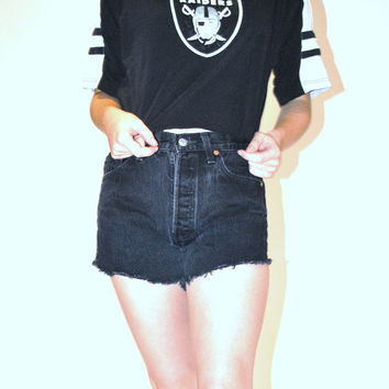 Raiders crop top / vintage 90s CLUB KID athletic GRUNGE cropped graphic Tshirt