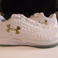 Under Armour UA Curry 1 Low Friends Family Championship MVP Gold 16 1269048 100