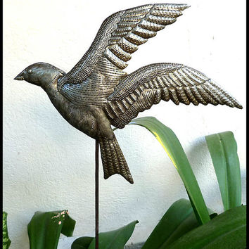 Metal Plant Stake - Bird Metal Art, Outdoor Garden Decor - Metal Plant Marker, Plant Stick, Garden Decor, Yard Art. Garden Markers - PS-1806