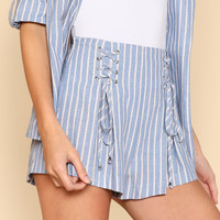 Grommet Lace Up Striped Shorts -SheIn(Sheinside)