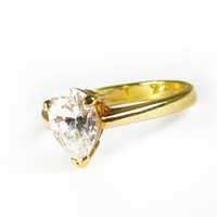 Vintage Engagement Ring with Cubic Zirconia, Size 6.5 / Affordable Engagement Ring - Bague en Strass.