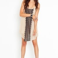 Lacy Pleats Dress - NASTY GAL