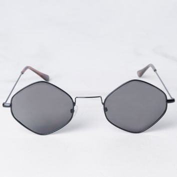 AKIRA Hexagonal Thin Frame Tinted Lens Wire Sunglasses in Black Black